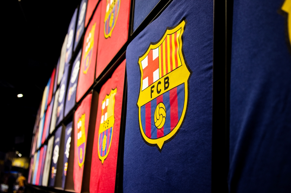 Stema FC Barcelona troneaza peste tot