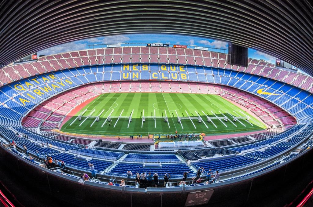 Privind din inaltul tribunei, nu e greu sa intelegi de ce FC Barcelona e unul dintre cele mai mari nume din fotbalul mondial.