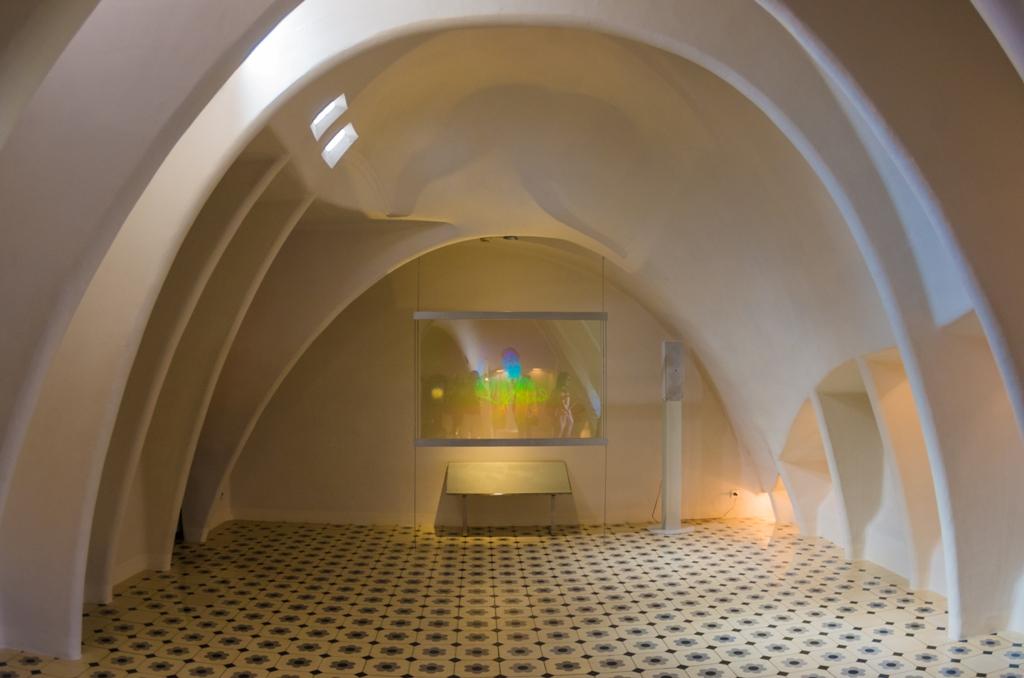 In creatiile lui Gaudí te simti uneori ca si cum te-ai plimba in interiorul unui animal din povesti.