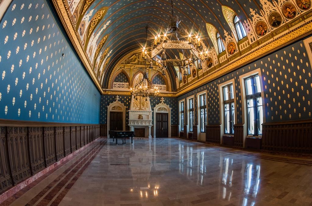 palatul culturii etaj pian
